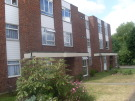 Ground Flat in Gerard Gardens, Rainham...