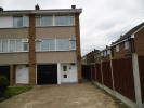 Town House to rent in Cowdray Way, Elm Park...
