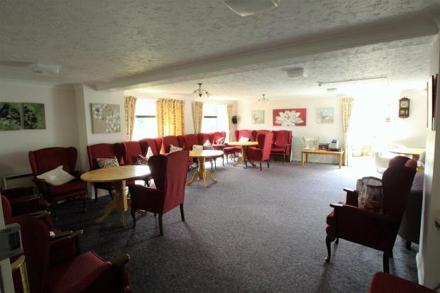 RESIDENTS LOUNGE ARE