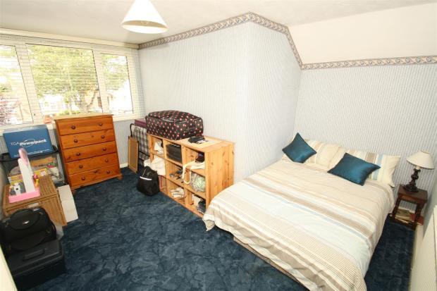 Bed 2 upstairs.JPG