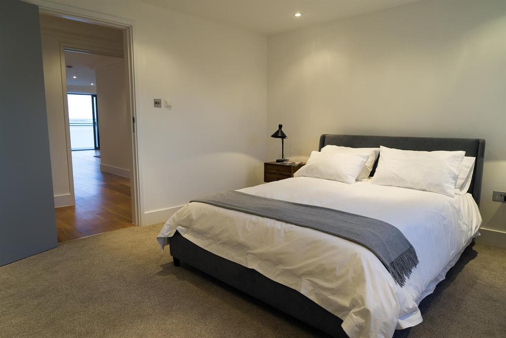 14 bedroom-web.jpg