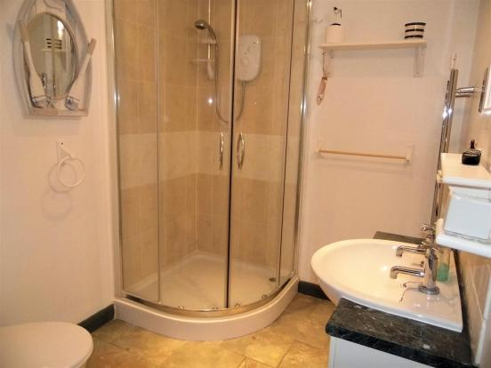 shower room annex