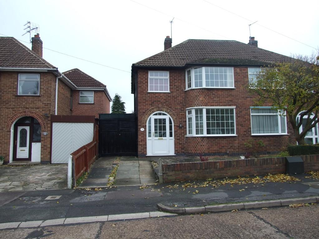 Upvc Front Elevation : Bedroom semi detached house for sale in lynmouth road