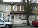 3 bedroom Flat in Ratcliff Road, London, E7