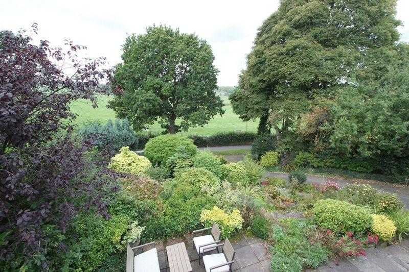 Front Garden W...