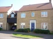 Link Detached House to rent in Woodfield Lane...