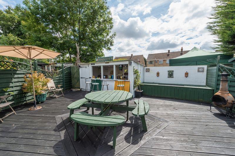 Garden bar area