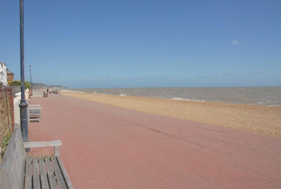 Promenade & beach