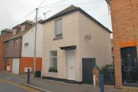 2 bed home for sale in Chapel Street, Hythe...