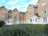2 bed Flat to rent in Lloyd Close, Cheltenham...