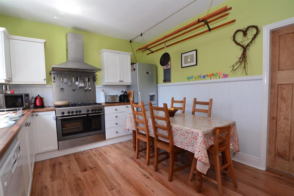 dining kitchen 2 (2)