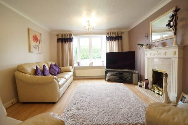 4 bedroom house for sale in bishop road emersons green for Greens dining room zetland road bristol