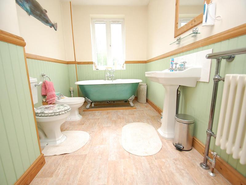 Bathroom Ideas Rightmove carpet right plc images. red white living room design ideas photos