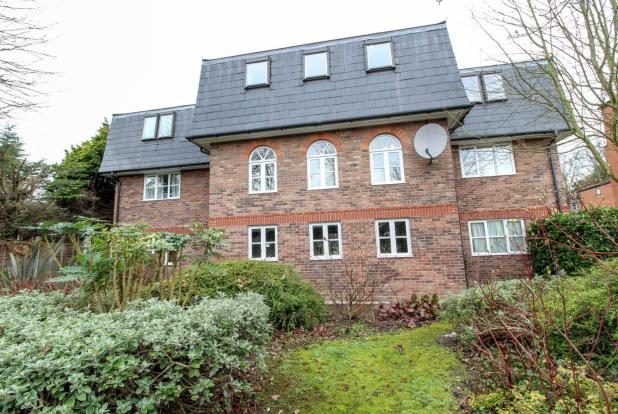 2 Bedroom Apartment For Sale In Swallow Court Gresham Close Brentwood Essex Cm14 Cm14