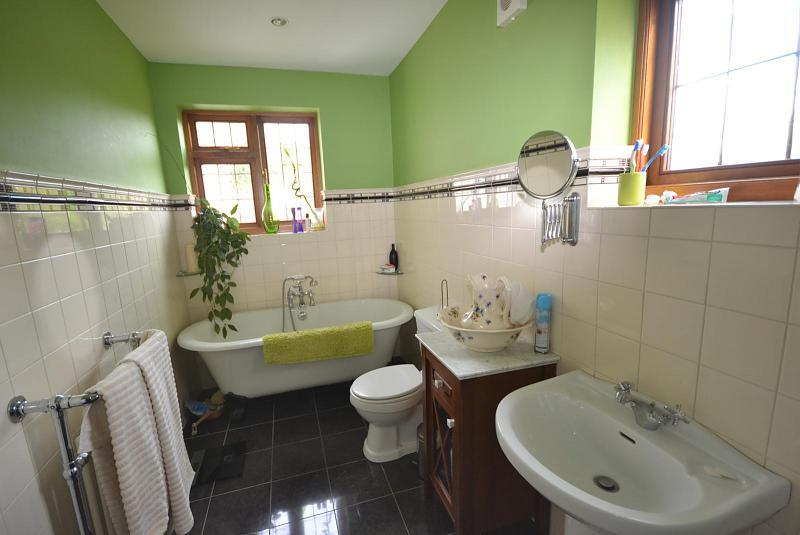 Green and cream bathroom ideas 28 images best 25 for Green and cream bathroom ideas