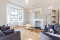 2 bed Terraced property to rent in Hamilton Road, Brentford