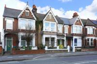 Flat for sale in Charlton Road...