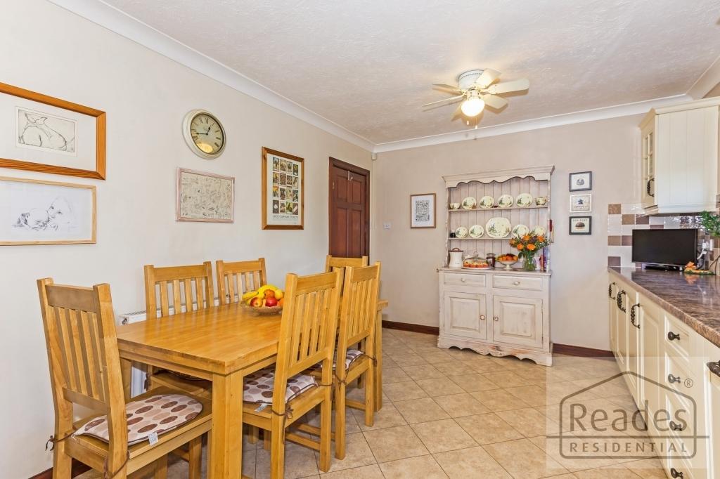 Kitchen/b'fast rm