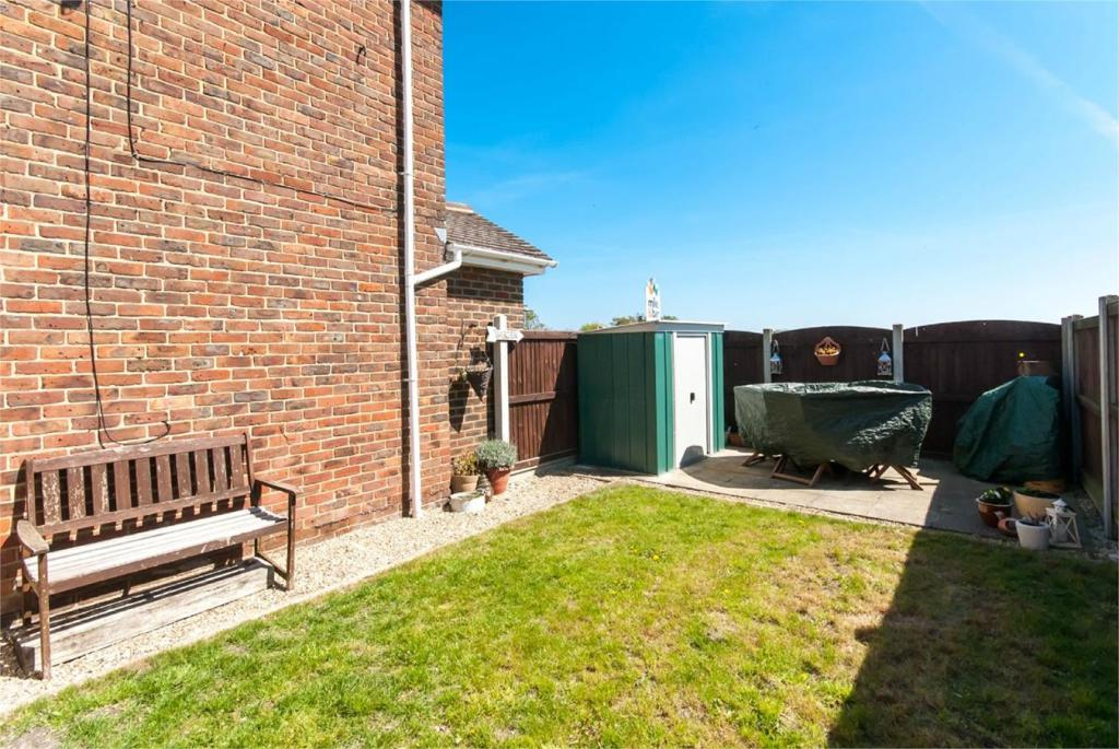 3 Bedroom End Of Terrace House For Sale In Minster Road