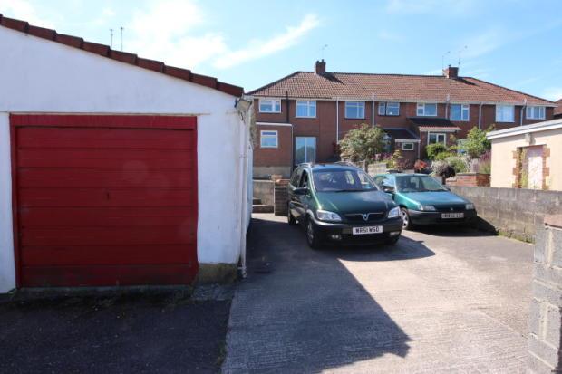 Garage & hardstandin
