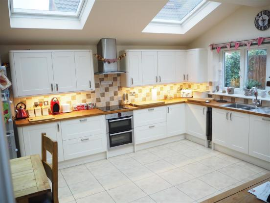 Fitted Kitchen Diner
