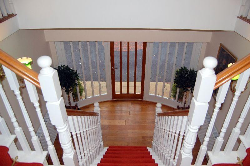 Landing to Hall stairs