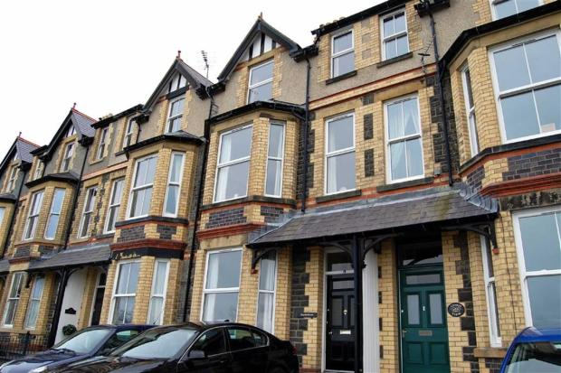 5 bedroom terraced house for sale in marine terrace for 11 marine terrace