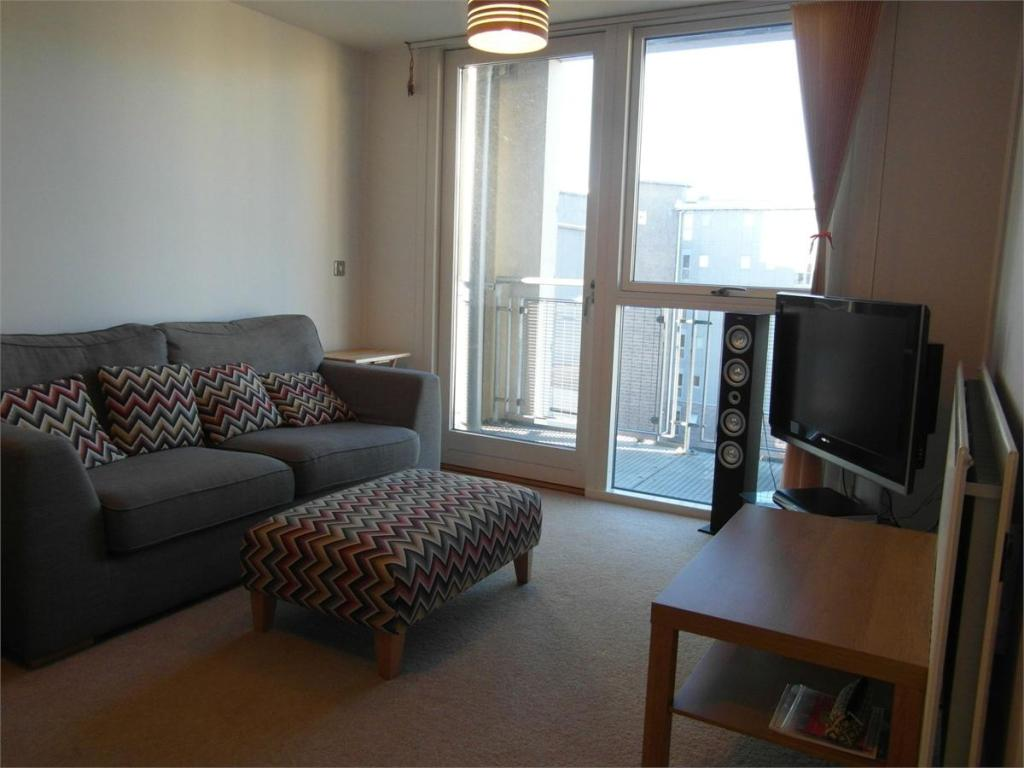 2 bedroom apartment for sale in park central 26 longleat for Bedroom apartments birmingham
