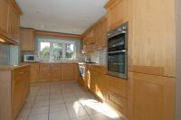 5 bedroom Detached house to rent in Stanley Close, Yarnton...