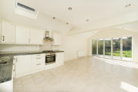 4 bed semi detached home to rent in Oakthorpe Road, Oxford...