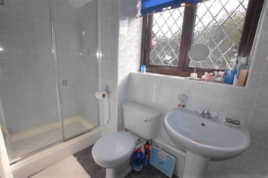 Ensuite and Dressing