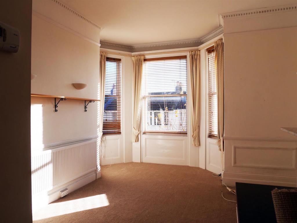 l_room.jpg