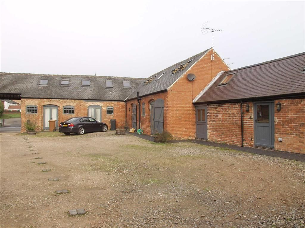 4 Bedroom Barn Conversion For Sale In Desford Le9