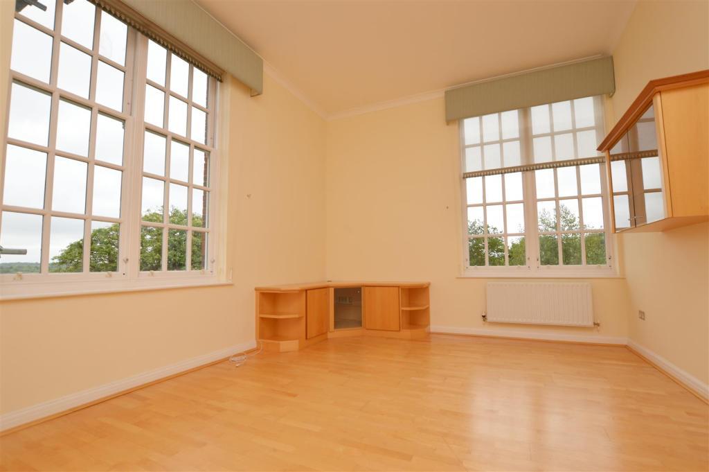 Living room 2505.jpg