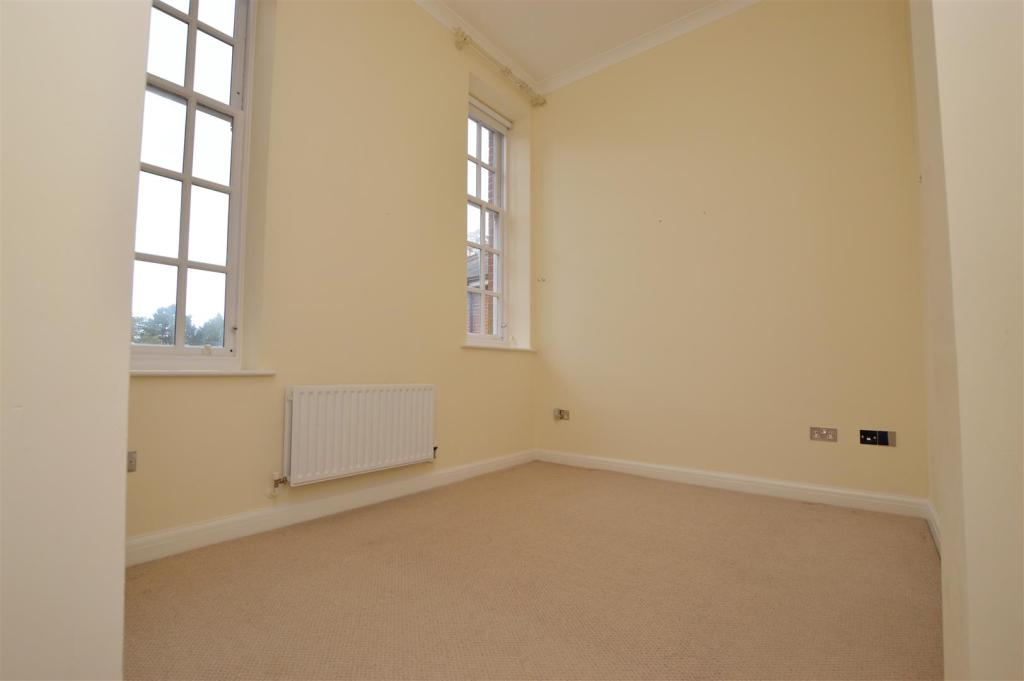 bedroom 2 2505.jpg