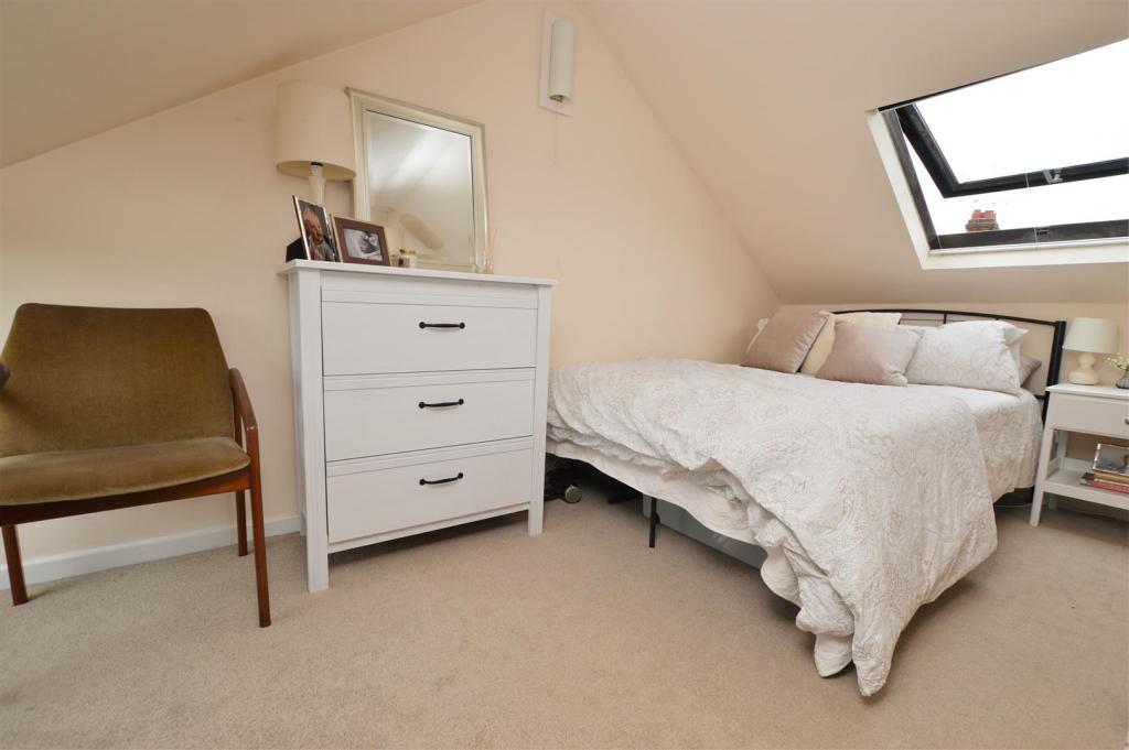 loft room .jpg