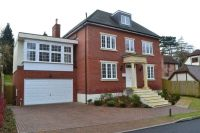 6 bedroom property in Sheethanger Lane...