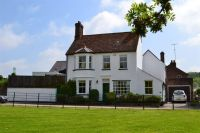 4 bed house in Piccotts End...