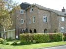 Flat to rent in Orchard Mead, Ringwood...