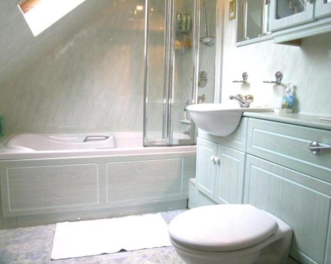 photo of blue white bathroom ensuite ensuite bathroom