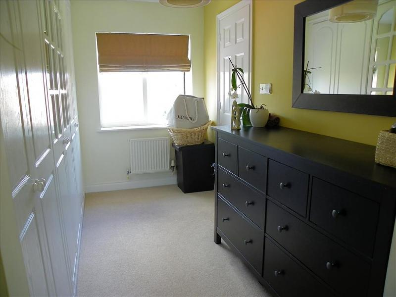 4 bedroom detached house for sale in deardon way shinfield reading rg2 rg2 Master bedroom ensuite and dressing room