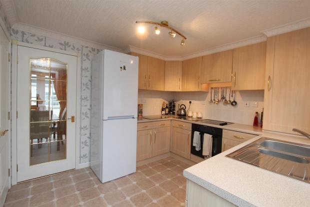 22 Woodlands kitchen