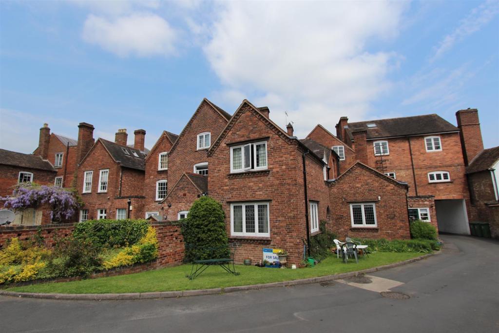 Flat 8 Manor House r