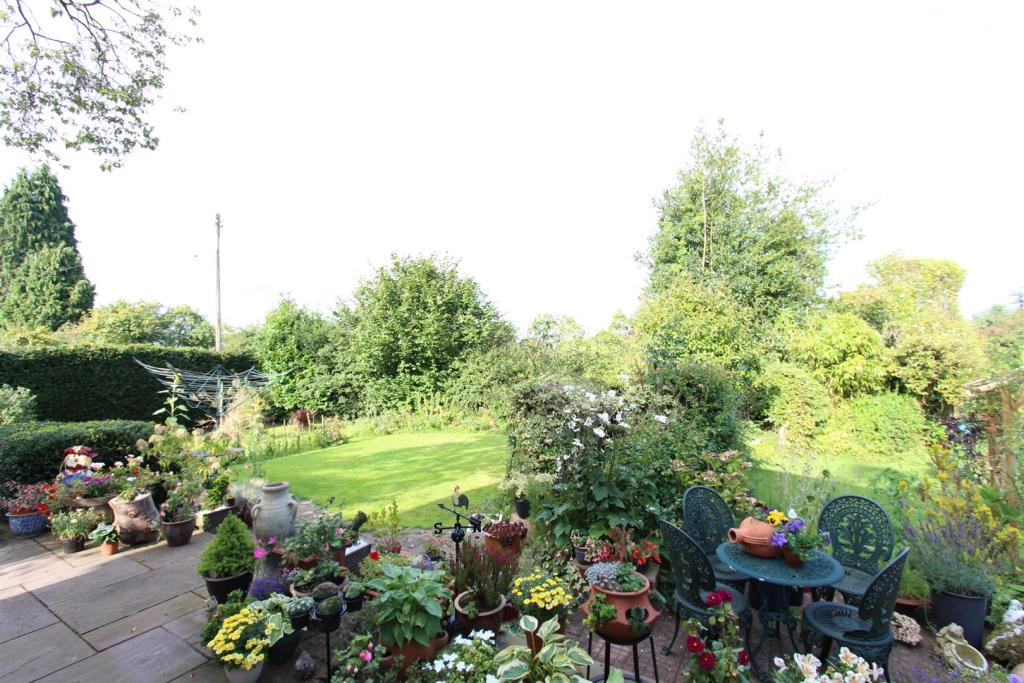 Westbury garden2.jpg