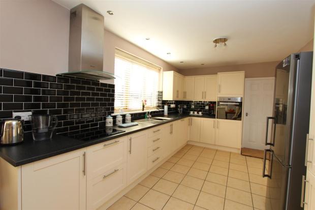 Worthmoore Kitchen 9