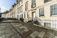 Flat to rent in Walcot Parade