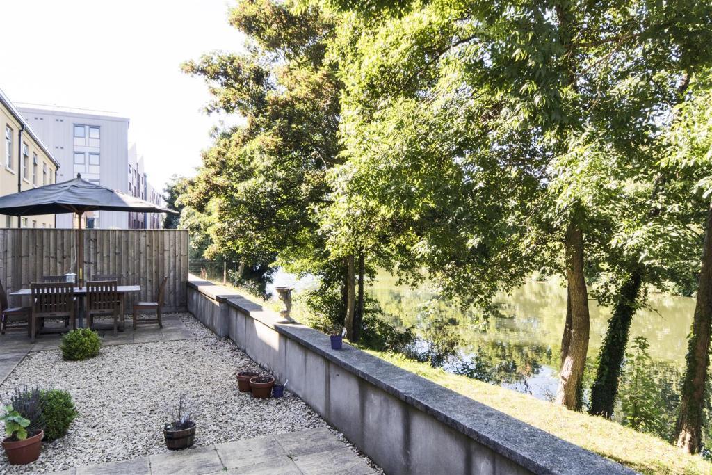 1 River place, Bath,