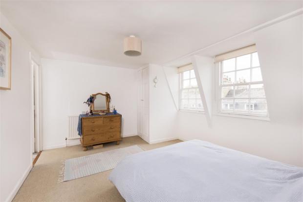 Apartment 5, 13 Russ
