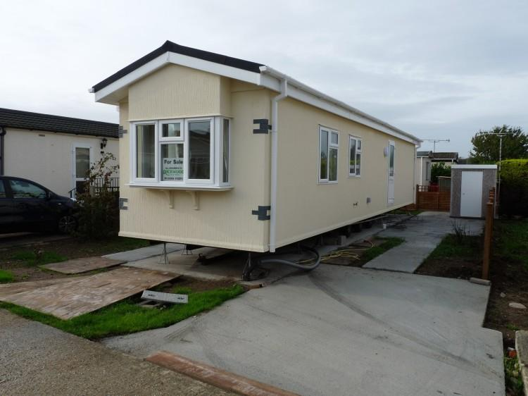 2 bedroom mobile home for sale in climping park bognor road littlehampton bn17. Black Bedroom Furniture Sets. Home Design Ideas