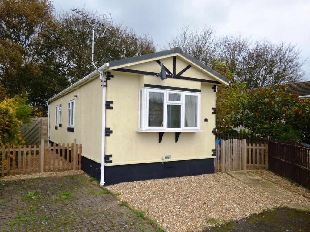 2 Bedroom Mobile Home For Sale In Mill Lane Littlehampton Bn17